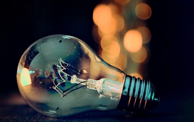 У жовтні у Фастові та районі планово відключатимуть світло - Фастівський район, Фастів, відключення світла - light bulb 3535435 1920 650x410