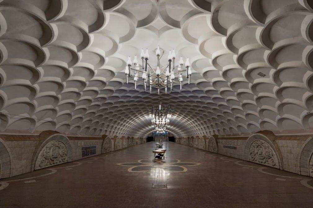 Палаци людей - станції Київського метро -  - metro2