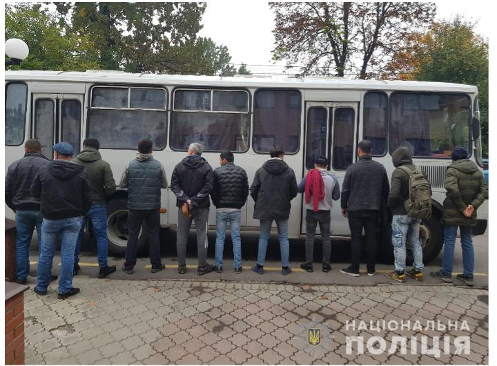 На ринку «Столичний» затримали нелегальних працівників - поліція Київської області - migrant1