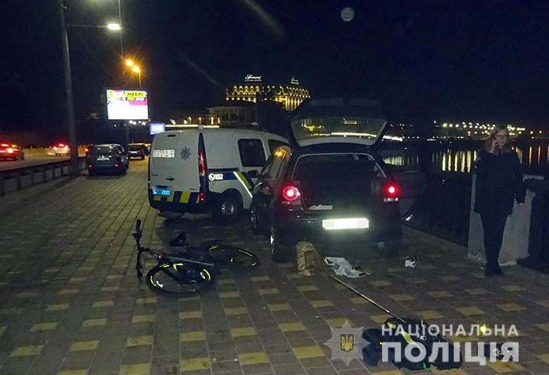 На Подолі киянин допоміг поліцейським затримати чоловіка, який обікрав його автівку -  - podolkrazha181019