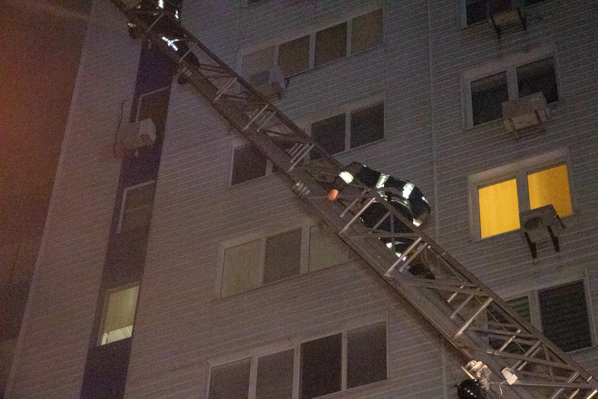 Через пожежу у багатоповерхівці Києва евакуювали 21 людину -  - pozhar 3