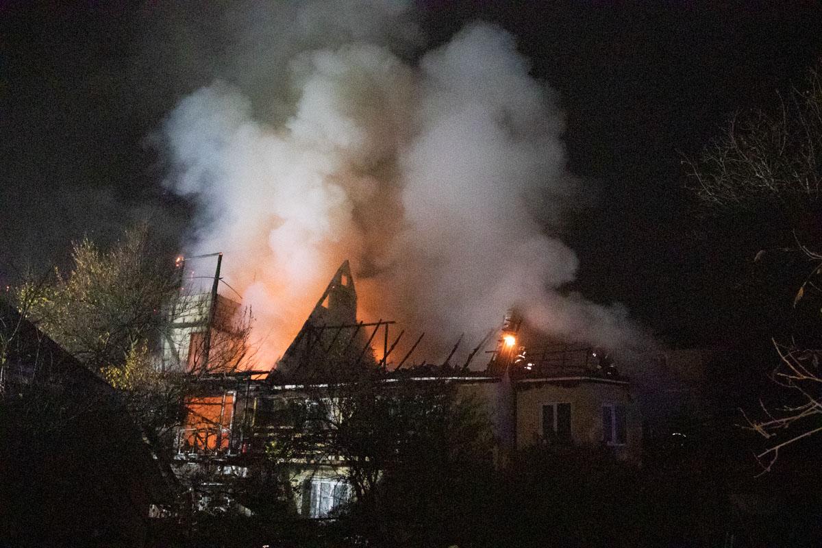 Через пожежу у Києві перекривали вулицю -  - pozhar 6 iz 11