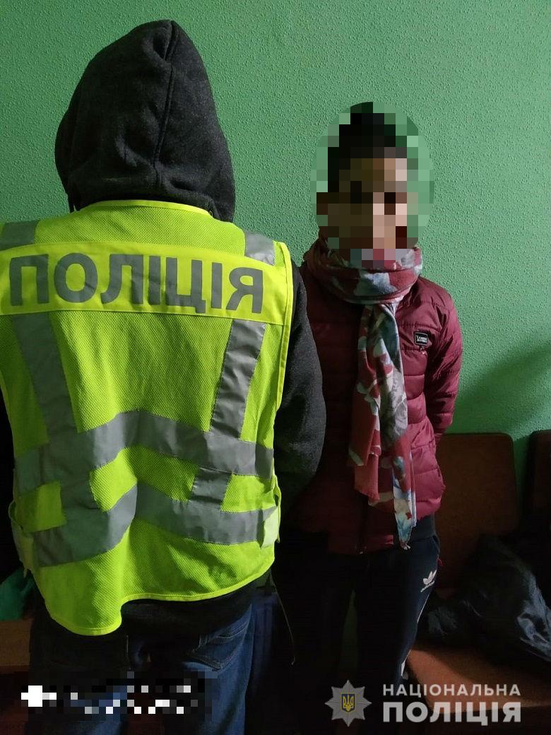 За крадіжку гаманця у Києві затримано двох жінок -  - shevchopv193312