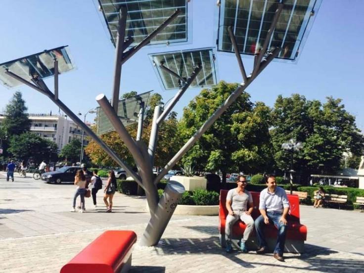 Боярка екологічна: громадські проєкти містян, пов'язані з довкіллям - сонячна енергетика, екологія, громадський проект, Громадський бюджет, Бюджет участі, Боярка - t 1 solar tree trikala 1000x735 e1443761832629