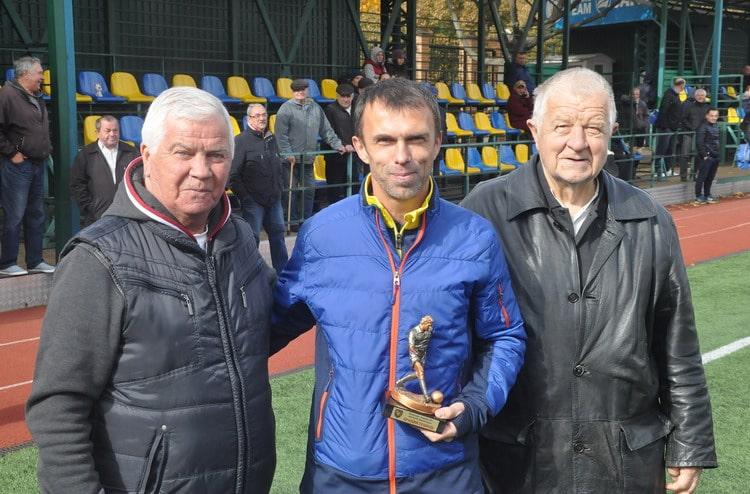 У Вишневому відбулися фінальні матчі всеукраїнського ветеранського чемпіонату з футболу -  - vet0710 2 resize min