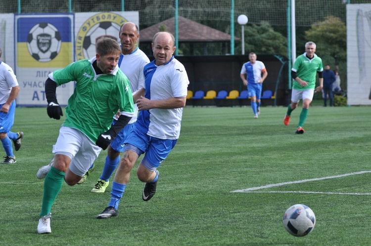 У Вишневому відбулися фінальні матчі всеукраїнського ветеранського чемпіонату з футболу -  - vet0710 3 resize min
