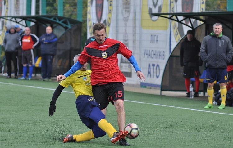 У Вишневому відбулися фінальні матчі всеукраїнського ветеранського чемпіонату з футболу -  - vet0710 5 resize min