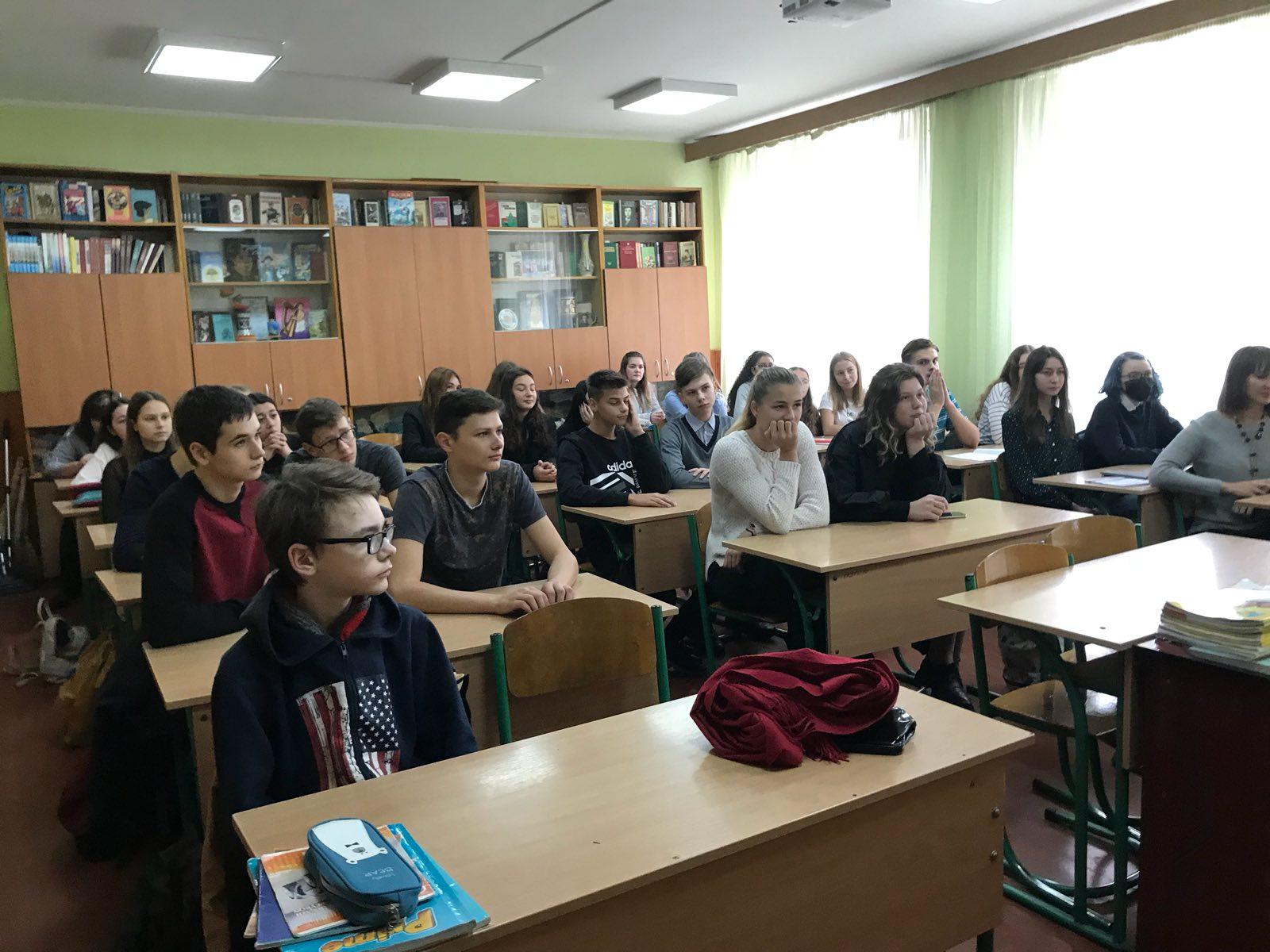 yzobrazhenye_viber_2019-10-22_15-08-33 Учні шкіл Броварів зустрілися з представником американського міста-побратима Рокфорда