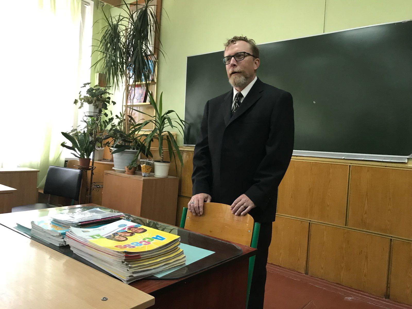 yzobrazhenye_viber_2019-10-22_15-08-35 Учні шкіл Броварів зустрілися з представником американського міста-побратима Рокфорда
