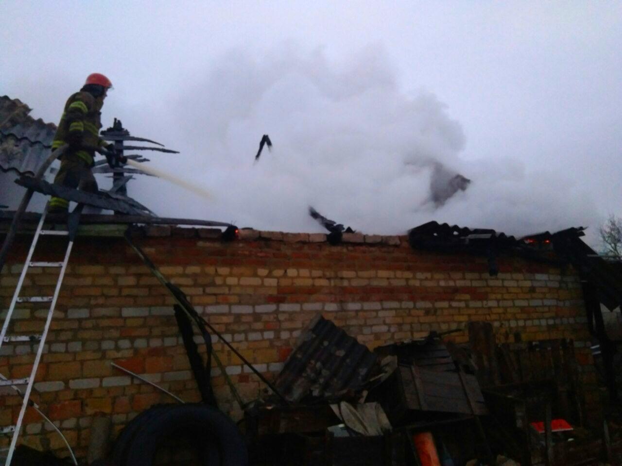 На Київщині під час пожежі власного будинку загинув чоловік - пожежа, згорів, загорання будинку, Бородянка - 01