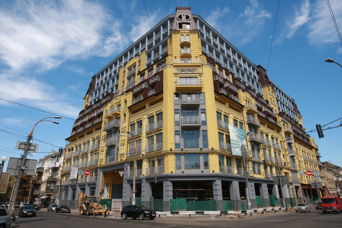 Суд постановив знести незаконно надбудовані поверхи «будинку-монстру» на Подолі -  - 10231