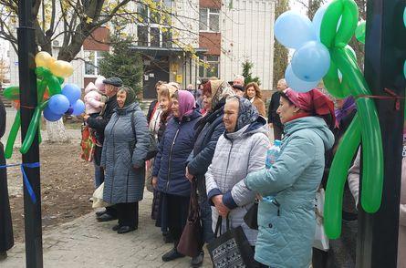 У день Казанської Божої Матері старопетрівчанам подарували бювет - Старі Петрівці, київщина, Вишгородський район - 1105 Byuvet SP4
