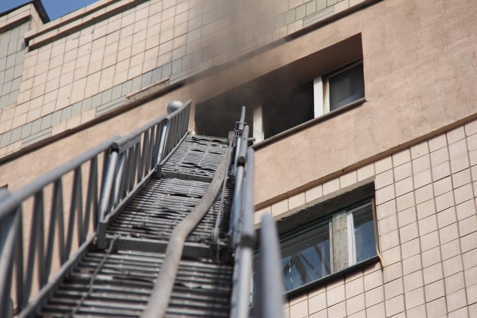 1105_vogon4 На столичній Оболоні горіла квартира