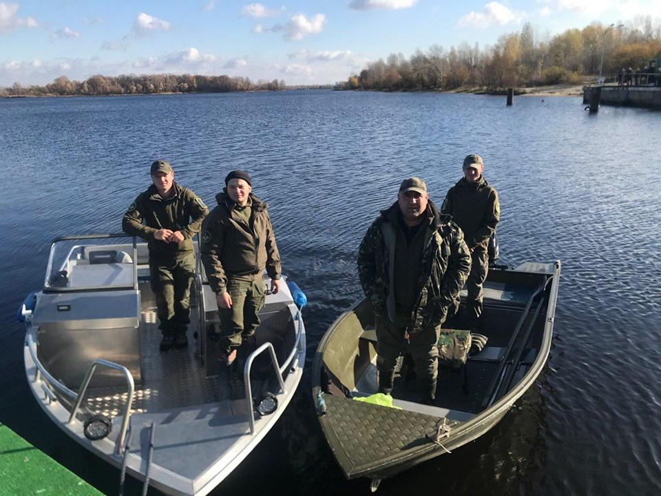 До Канівського водосховища запущено майже 7 тонн риби - київщина, Київський рибоохоронний патруль, зариблення - 1106 Ryba3