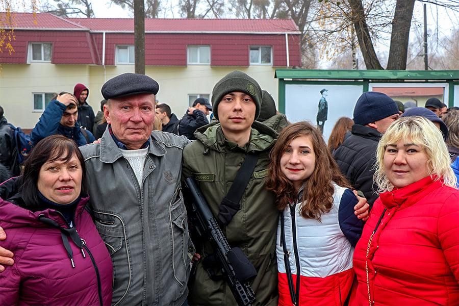 У Першій Президентській бригаді – бойове поповнення - присяга, Перша Президентська бригада, НГУ, київщина, Вишгород - 1109 Popovn4