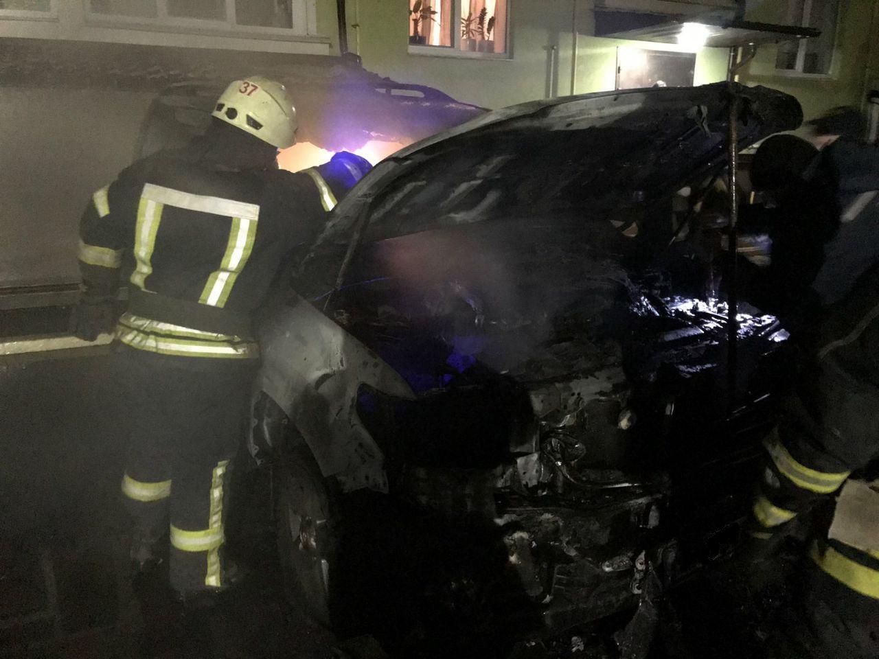 На Вишгородщині горіла автівка - рятувальники, пожежа, київщина, Вишгородський район, автомобіль - 1109 avto1