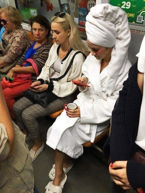 1112_Metro_halat Відсьогодні у Київському метро діють нові правила