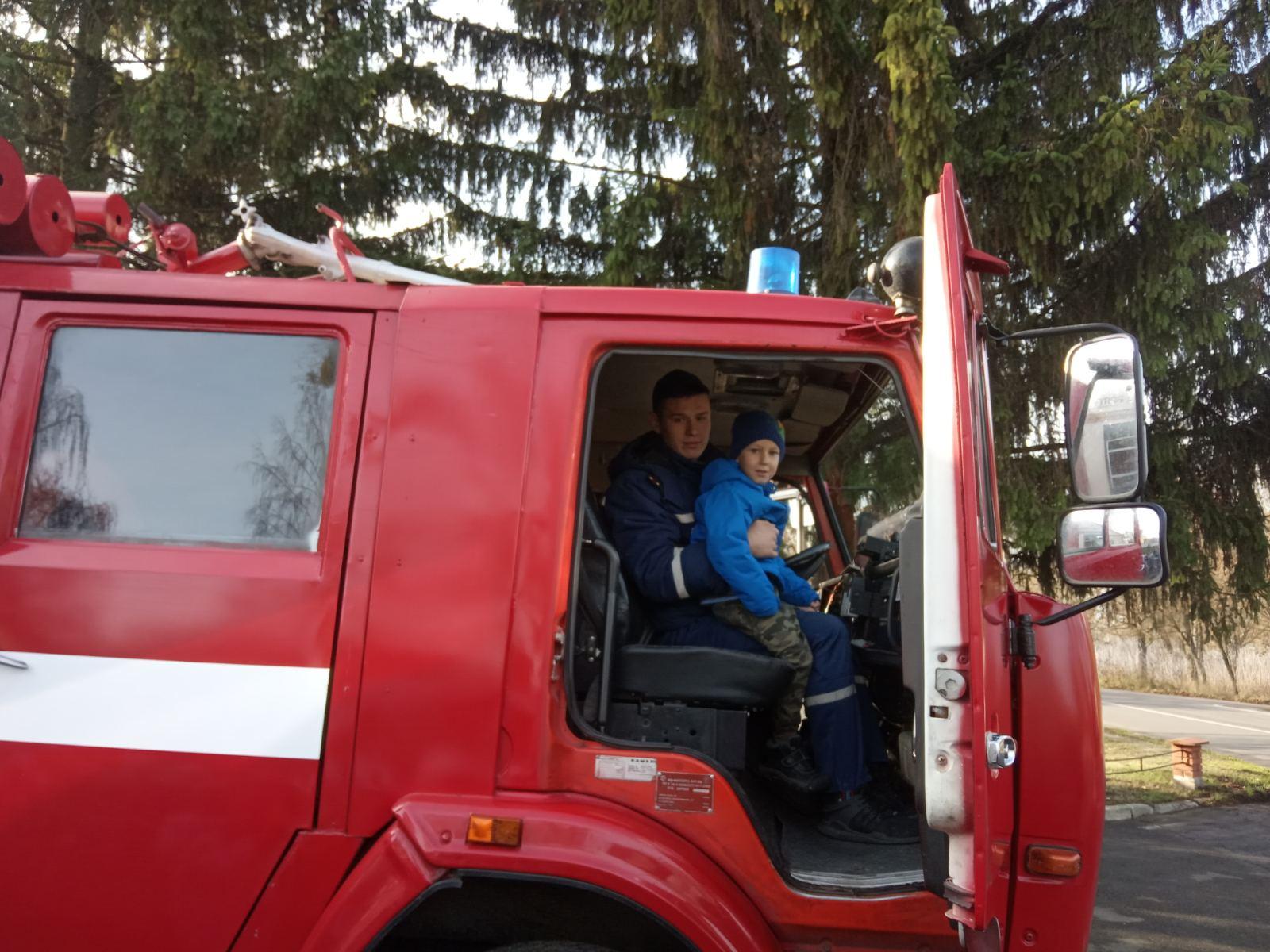 До Димерських рятувальників завітали дошкільнята - рятувальники, київщина, Вишгородський район, Безпека життєдіяльності - 1114 Pozh1
