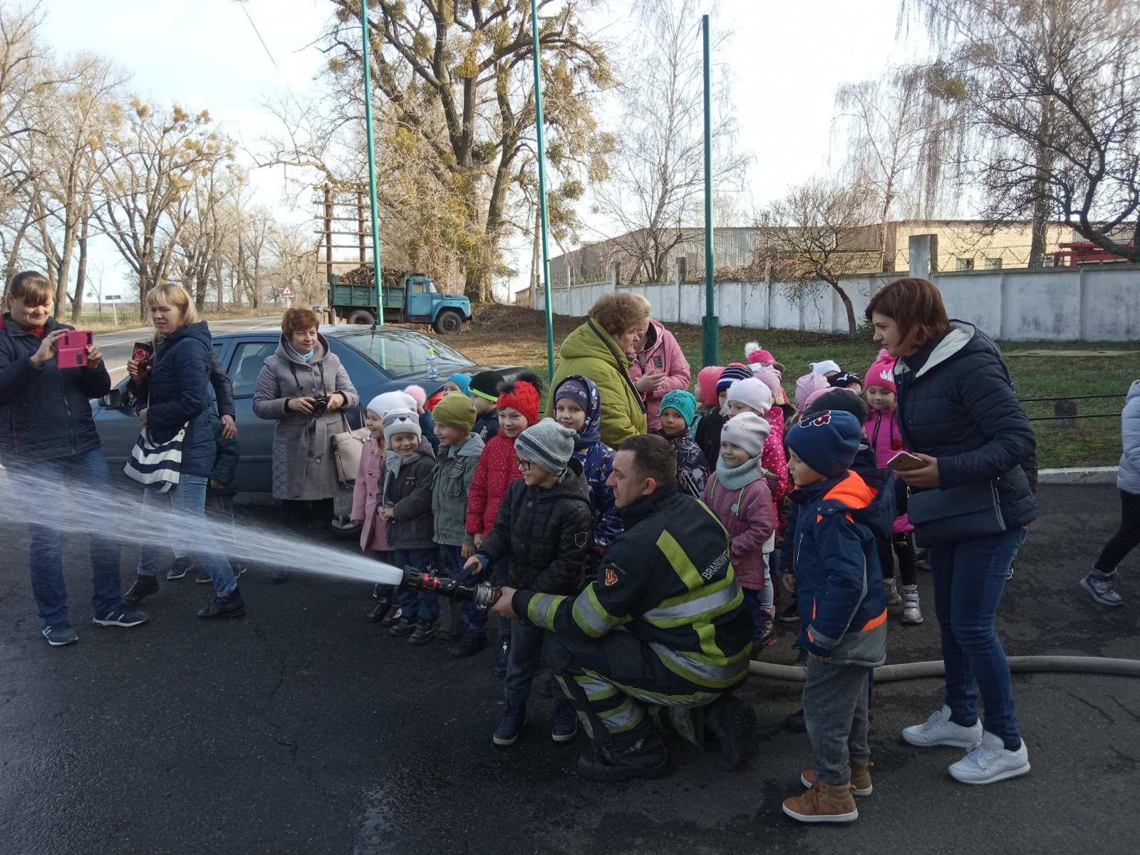 1114_Pozh2 До Димерських рятувальників завітали дошкільнята