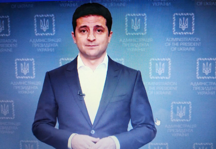 111_Zel Володимир Зеленський пропонує радитись про продаж землі іноземцям на всеукраїнському референдумі