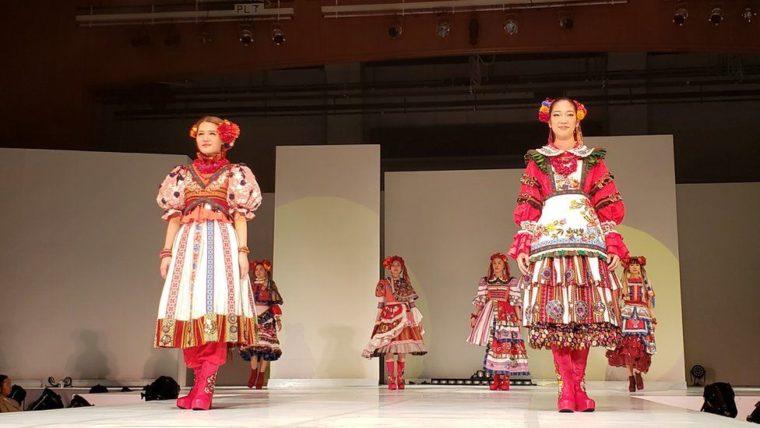 Український одяг, створений японцями, показали на фестивалі культур у Токіо