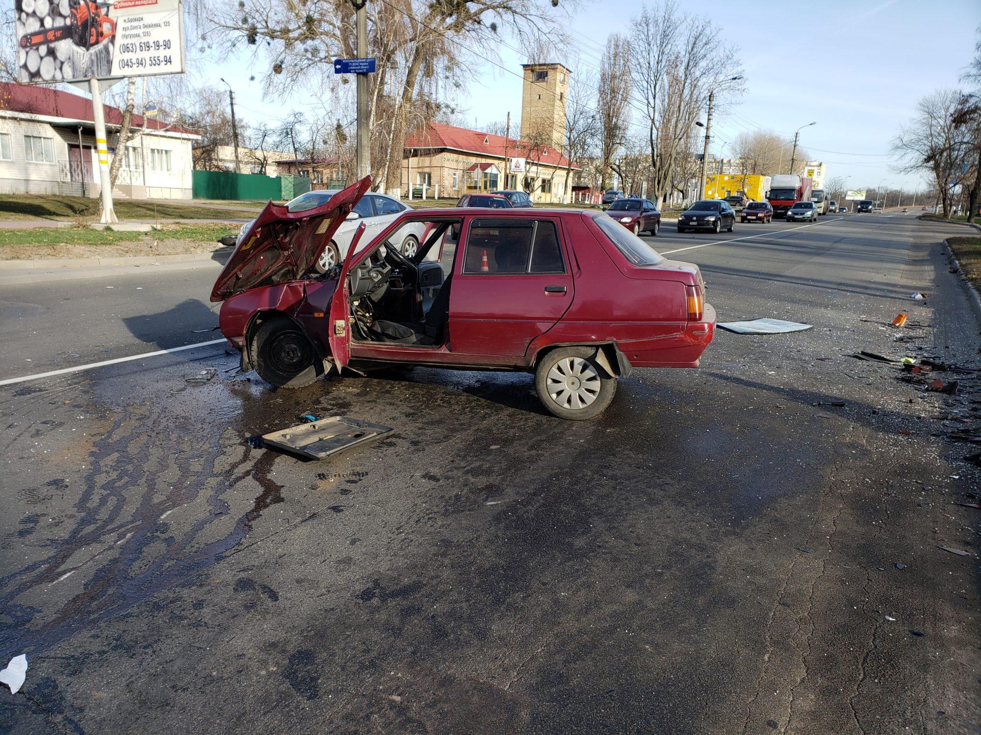 20191123_112840-2000x1500 Славута&Mercedes: у Броварах сталася ДТП