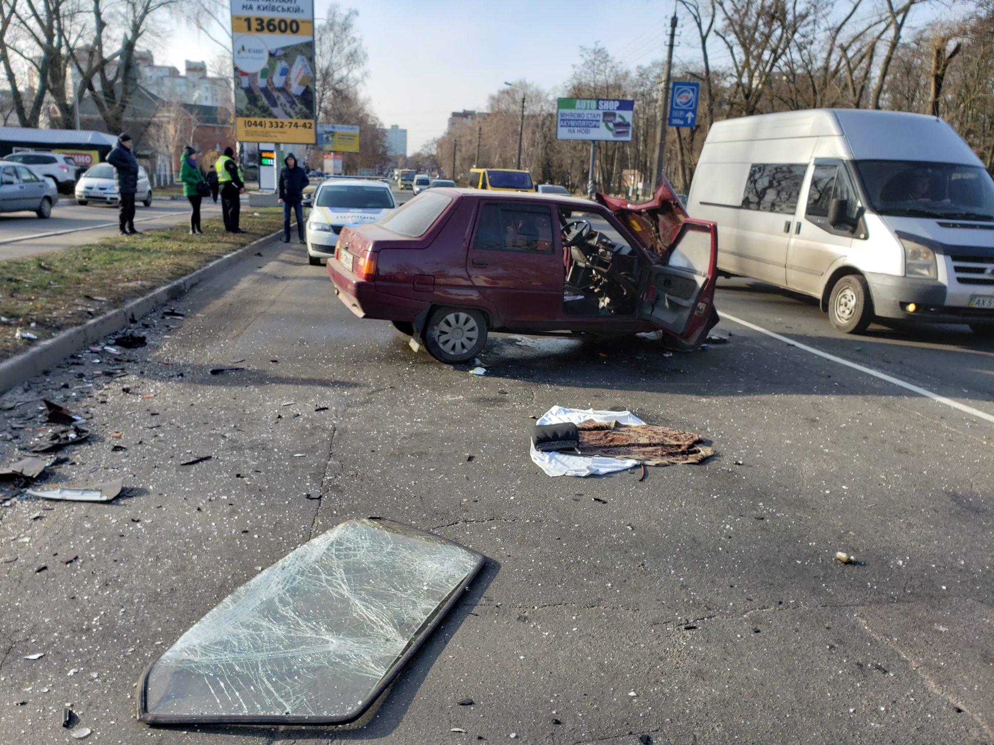 20191123_112859-2000x1500 Славута&Mercedes: у Броварах сталася ДТП