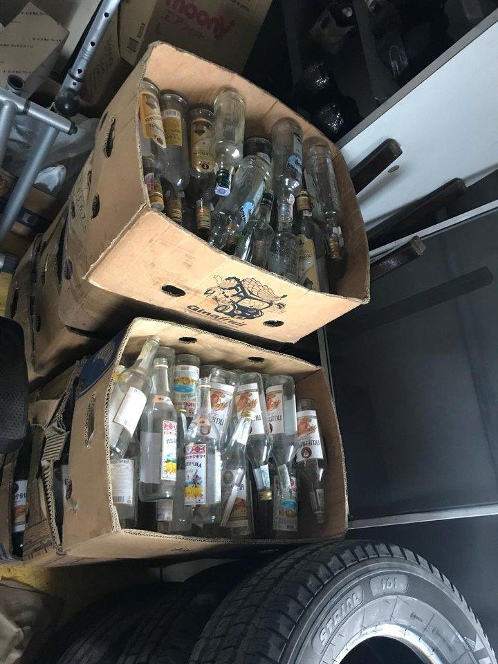 21_alko2 Під Києвом накрили підпільний цех з виготовлення алкогольних напоїв