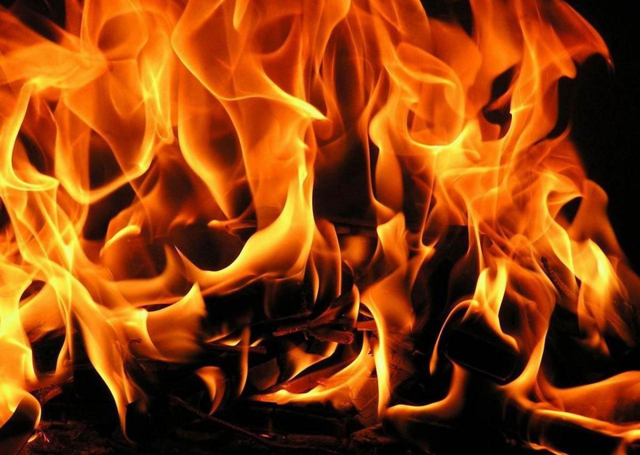У Києві вночі горіла п'ятиповерхівка: є жертва - пожежа, Київ - 23 zgoriv