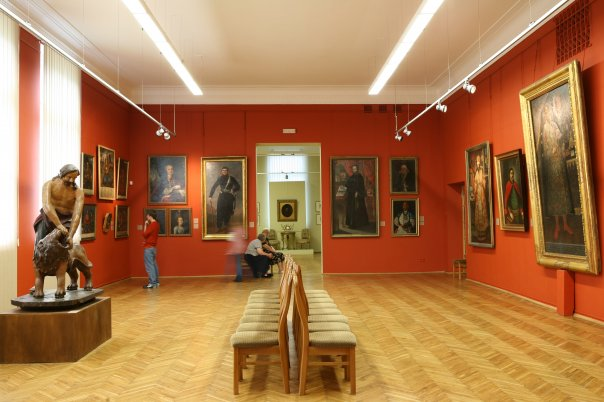 429278_10150582133568144_1098301578_n Національний художній музей в Києві знову доступний для відвідувачів