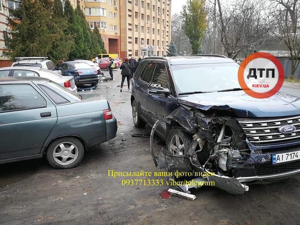 74218570_1477512489081306_2496428330388029440_n У ДТП в Боярці постраждало 6 автомобілів