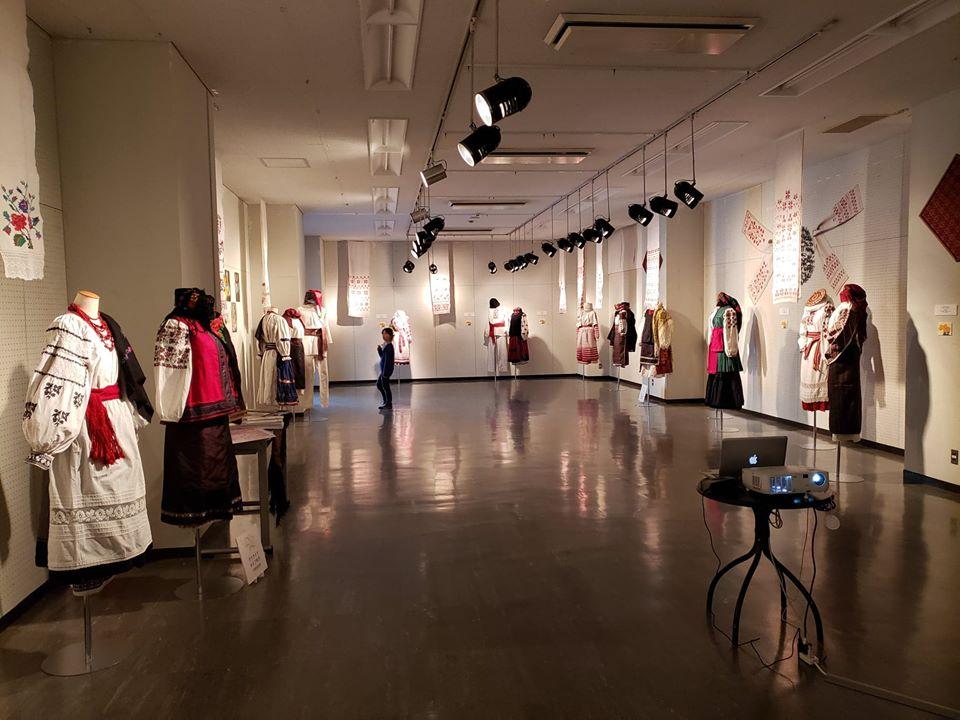 Українське національне вбрання презентували на виставці в японській столиці -  - 75336342 1213526782182144 1185784116159709184 o