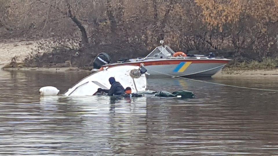 У Дніпрі затонуло судно -  - 75380362 2619255298141699 3258522538501734400 o