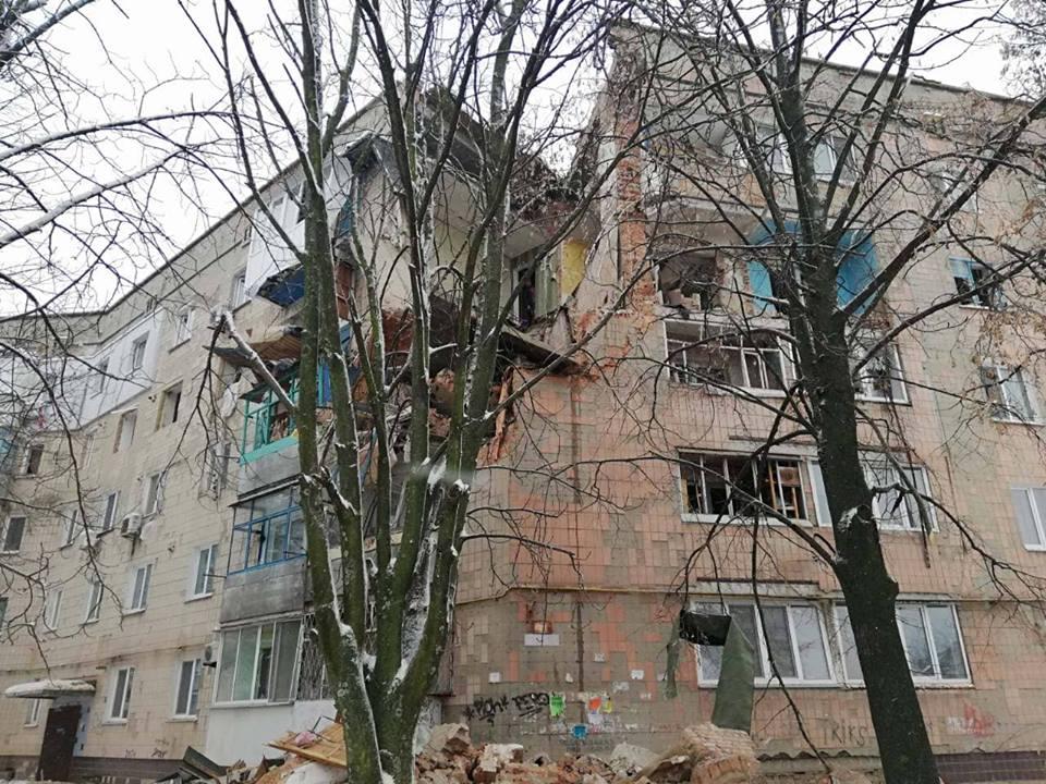 77175225_2475016315949792_4534648920910856192_n У Фастові демонтують і відбудують зруйновану частину пошкодженого будинку