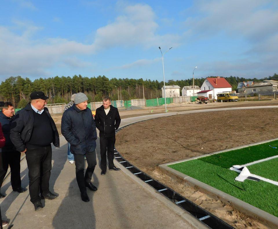 У Славутичі завершується будівництво багатофункціонального спортивного комплексу -  - 77388389 2546698048746426 2194825212782968832 o