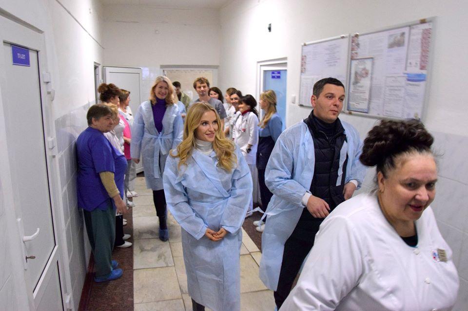79005273_2283432635280662_8268356328825552896_o Допомога, яка рятує життя: Васильківській лікарні подарували єдиний на Київщині кувез
