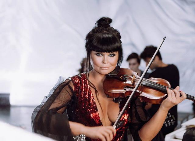 Українська скрипалька Асія Ахат виступить у Америці -  - Asia Ahat0