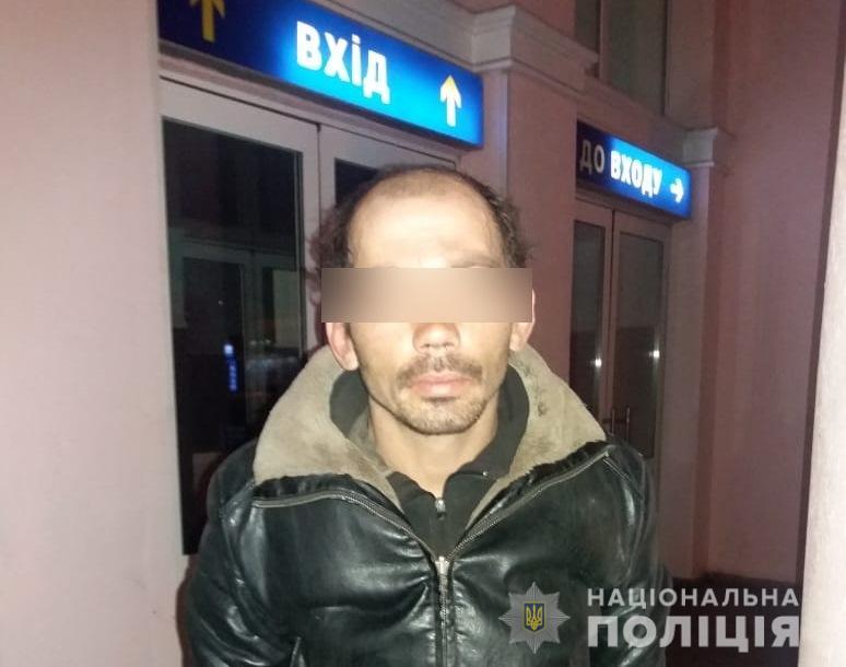 Розбійний напад у Білій Церкві: чоловік з ножем напав на жінку - Біла Церква - BTSrozbij11