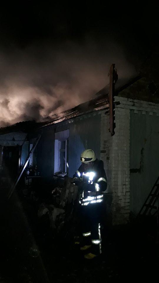 Палали лазня та будинок: у Бучі на вихідних сталося дві пожежі - рятувальники, Приірпіння, пожежа, надзвичайна ситуація, київщина, ДСНС України у Київській області, Буча - Bud 1