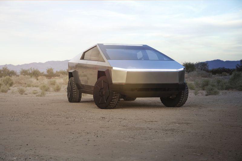 """Tesla представила броньований футуристичний пікап Cybertruck - """"улюбленого монстра"""" Ілона Маска - Ілон Маск, Tesla - Cybertruck 1"""