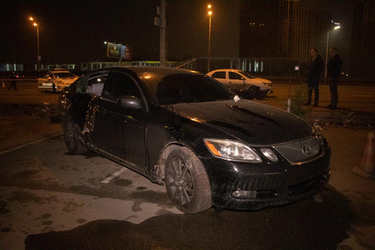 У Києві Lexus вилетів на тротуар і вбив людину -  - DTP 10 of 15