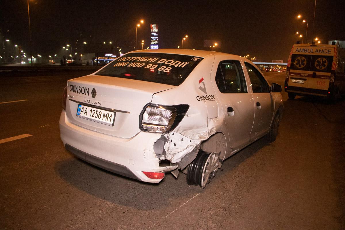 У Києві Lexus вилетів на тротуар і вбив людину -  - DTP 3 of 15