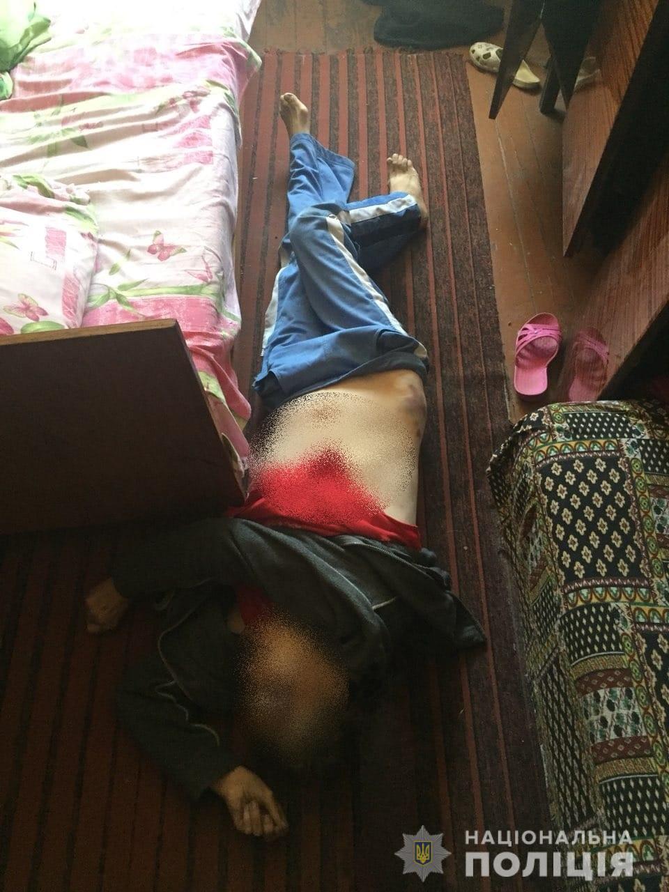 10 років за ґратами отримав чоловік, який на Броварщині до смерті забив власну матір -  - FOTO Vbyvstvo Brovary