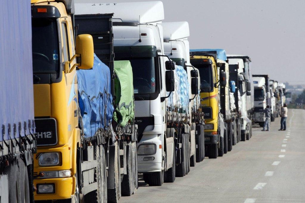 Вранці та ввечері вантажівки не пускатимуть до Києва