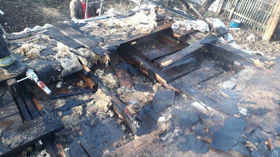 Koz-bud-1 Вогонь пошкодив покрівлю та перекриття: у Коцюбинському горів приватний будинок