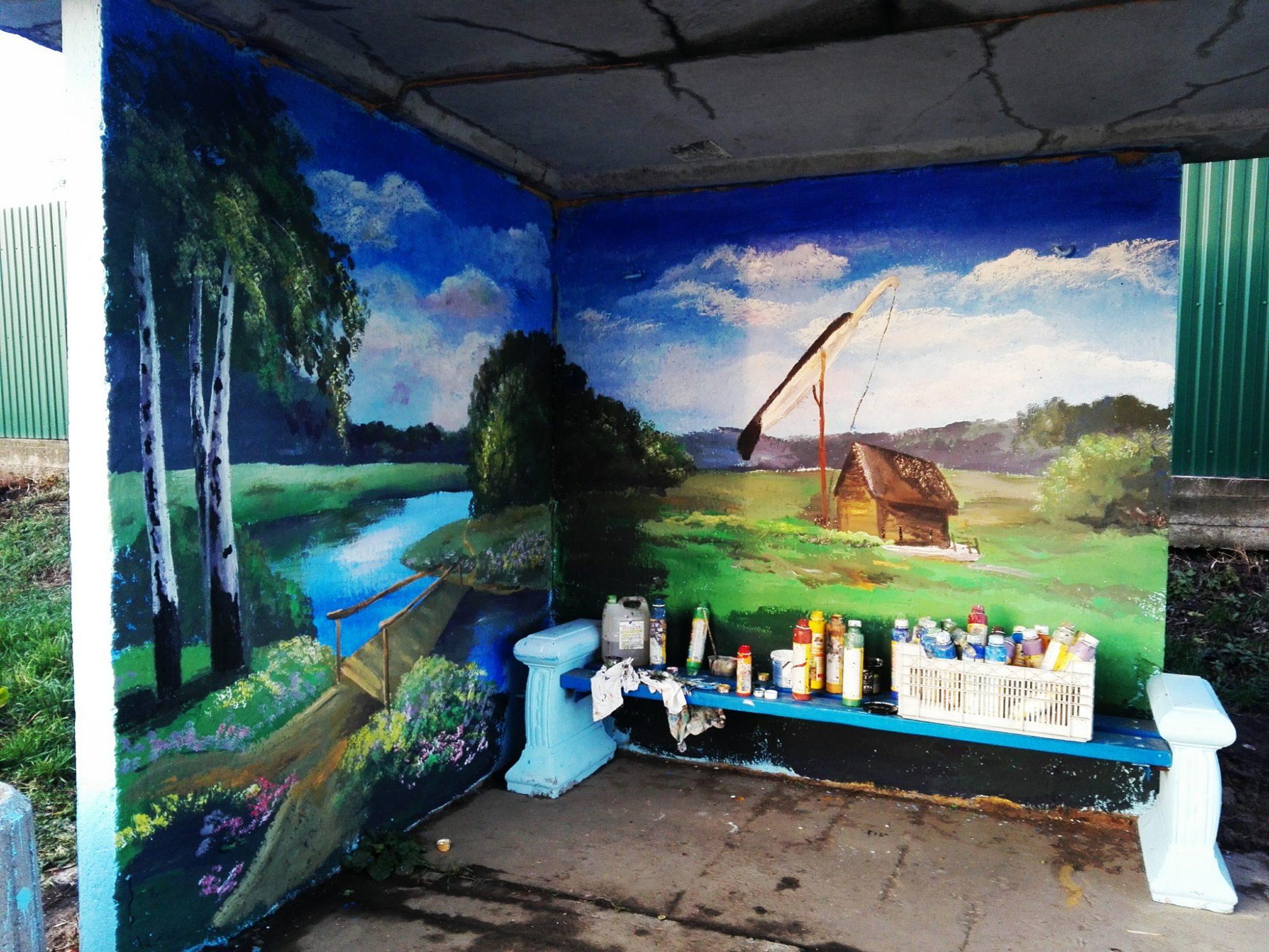 Фастівська художниця продовжує прикрашати автобусні зупинки у районі -  - Malopolovetske2 2000x1500