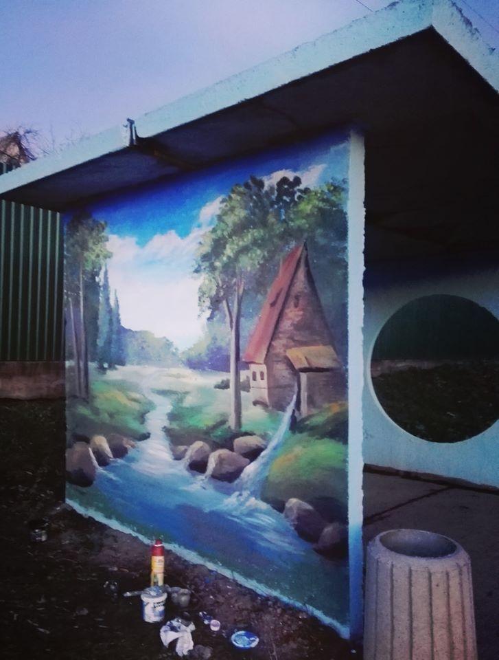 Фастівська художниця продовжує прикрашати автобусні зупинки у районі -  - Malopolovetske3