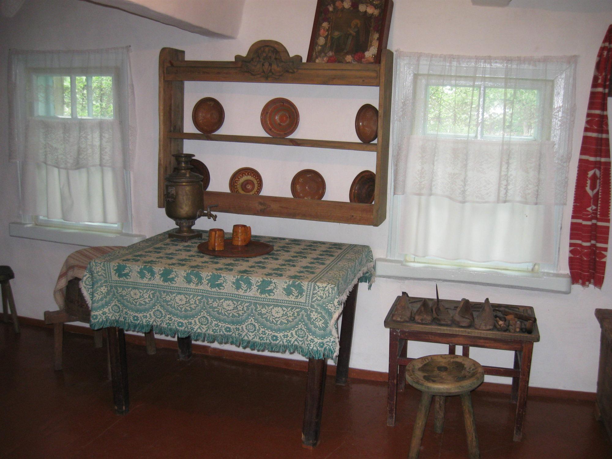 В Обухові відзначать 107-му річницю Андрія Малишка -  - Muzej sadyba Andriya Malyshka Obuhiv 3 2000x1500