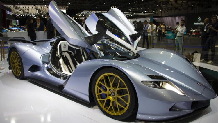 2000 кінських сил: найпотужніший в світі серійний електрогіперкар презентували в Дубаї -  - Owl 003