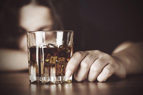 alkoholna-zavisimost ВІЛ/СНІД на Обухівщині: лікарі району розповіли журналістам про наболіле
